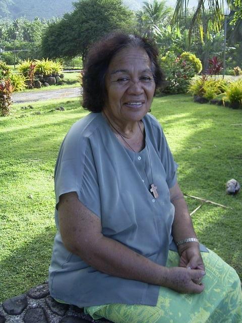 Yvonne à Nuku Hiva - Baie de Hatiheu