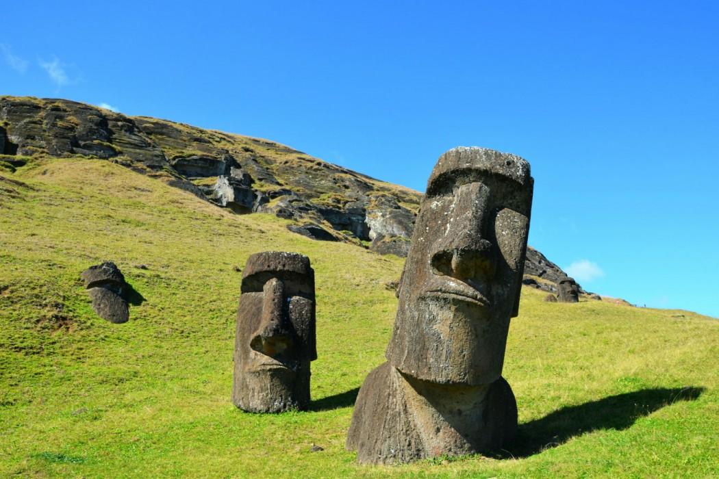 Mon Plus Beau Voyage-moai