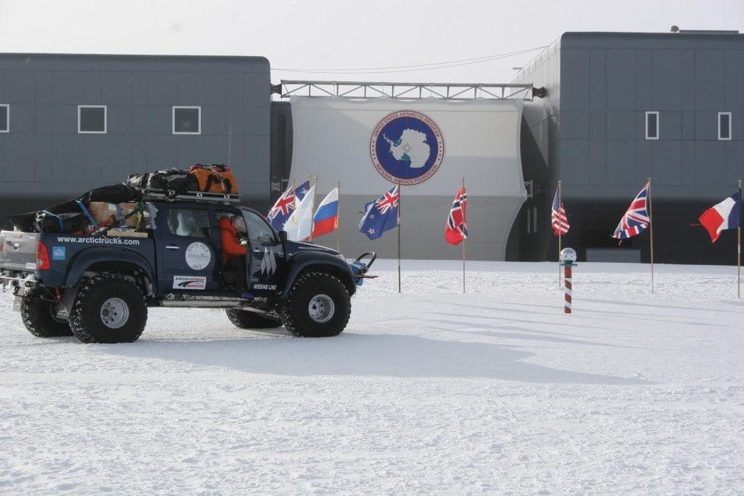 Mon Plus Beau Voyage - White Desert - 4x4 at the South Pole