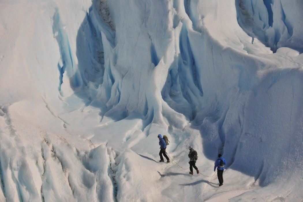 Mon Plus Beau Voyage - White Desert - Clients summitting mountain