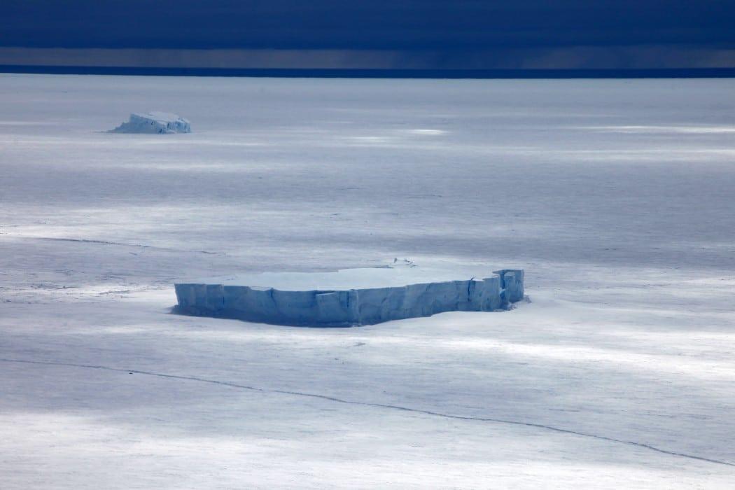 Mon Plus Beau Voyage - White Desert - iceberg