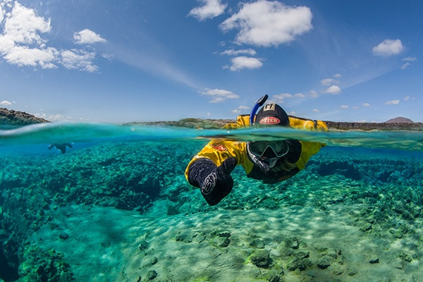 circuit-de-luxe-en-islande-mon-plus-beau-voyage-snorkeling-into-the-blue-arctic-adventures-emagnusson