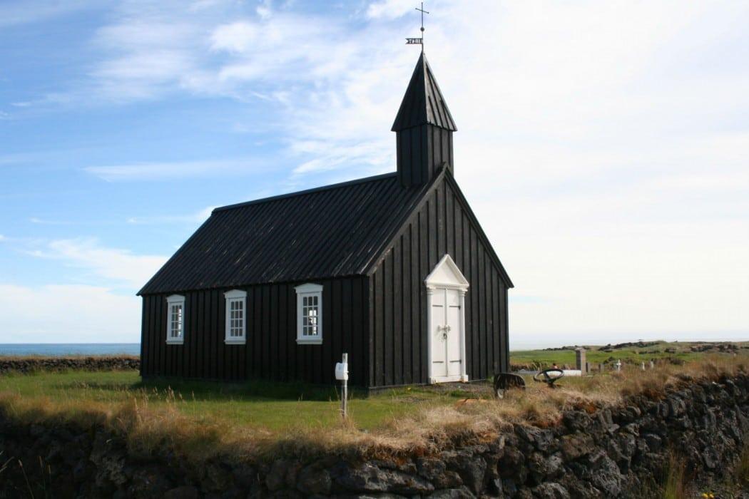 circuit-de-luxe-en-islande-mon-plus-beau-voyage-budakirkja