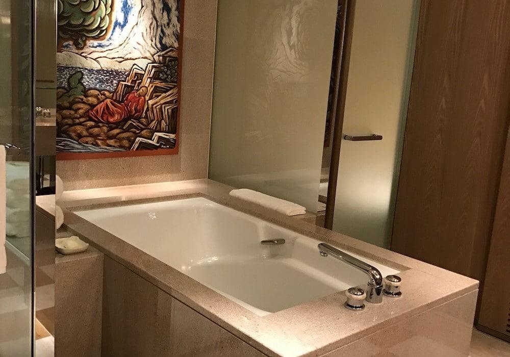 Mon Plus Beau Voyage a Tokyo_chambre Park Hyatt salle de bains