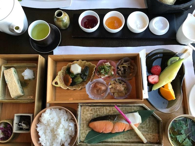 Mon Plus Beau Voyage-circuit de luxe- Hotel Aman Tokyo petit dejeuner japonais