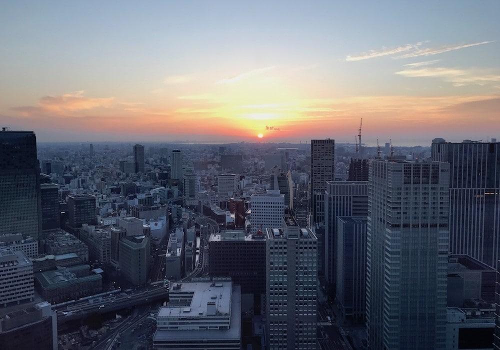 Lever de soleil à Tokyo.