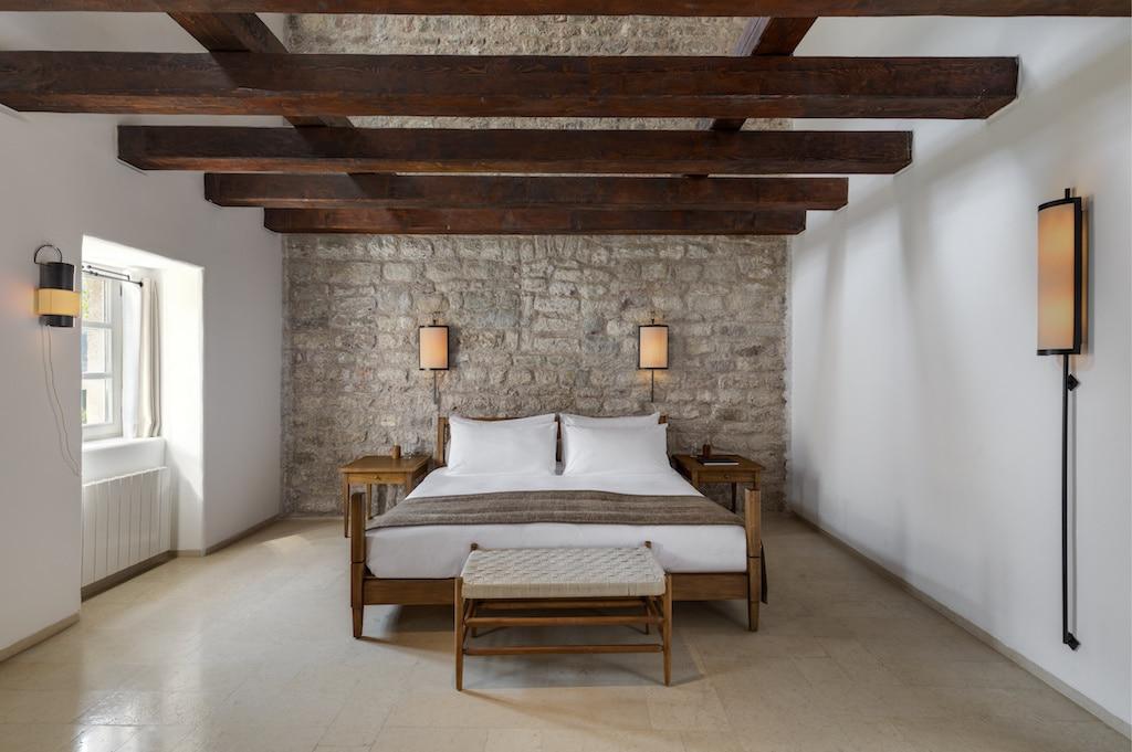 Chambre de l'Aman Sveti Stefan au Montenegro.