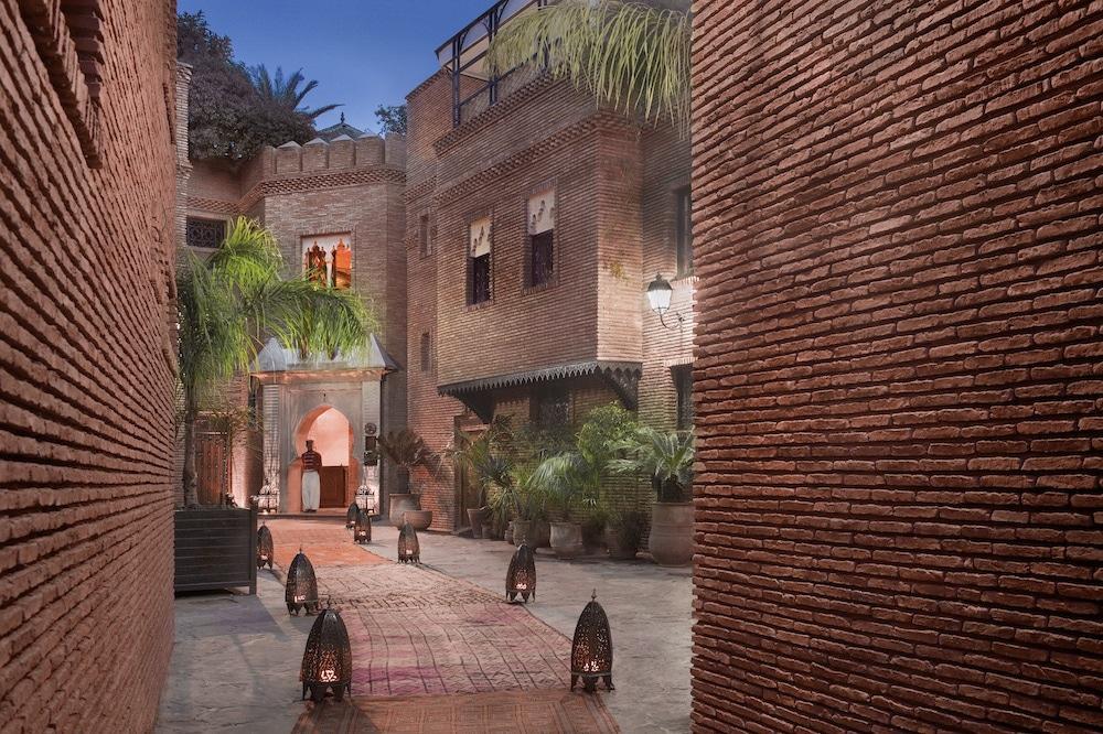 Entrez dans un hôtel de luxe à Marrakech : La Sultana.